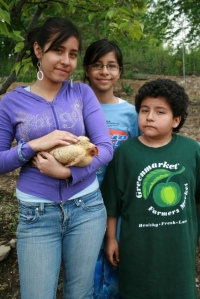 Janet & Mimo with Mabel the hen
